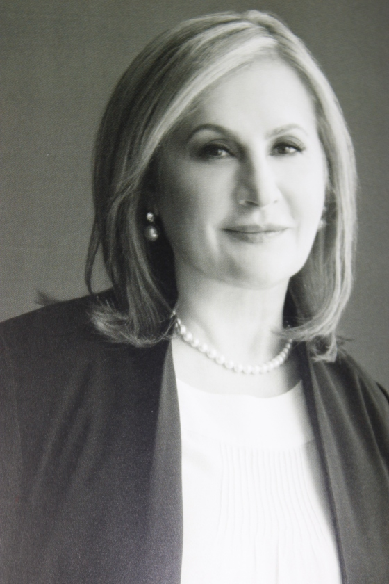 Dr Elena Ocher